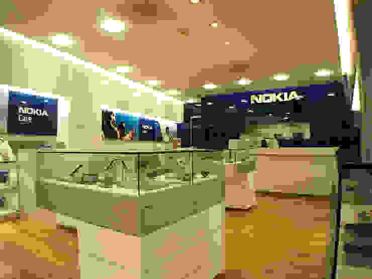 Nokia Care - RIMA Arquitectura Estudios y despachos modernos de RIMA Arquitectura Moderno