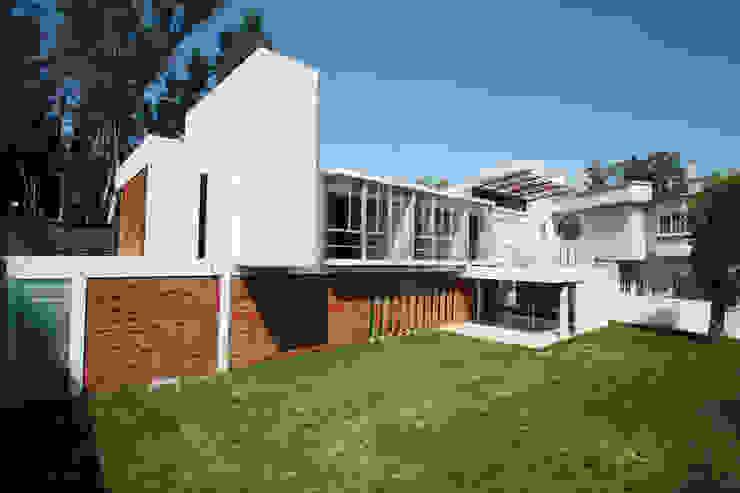 Casa Bosques 1 Casas modernas de RIMA Arquitectura Moderno