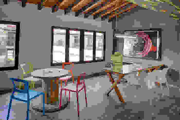 NEXT - RIMA Arquitectura Estudios y despachos modernos de RIMA Arquitectura Moderno