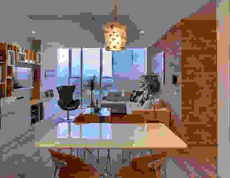 现代客厅設計點子、靈感 & 圖片 根據 RIMA Arquitectura 現代風