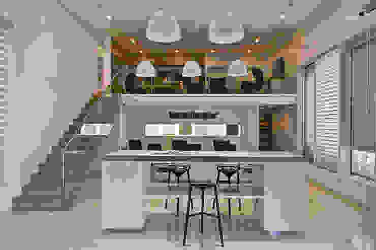 Bureau moderne par RIMA Arquitectura Moderne