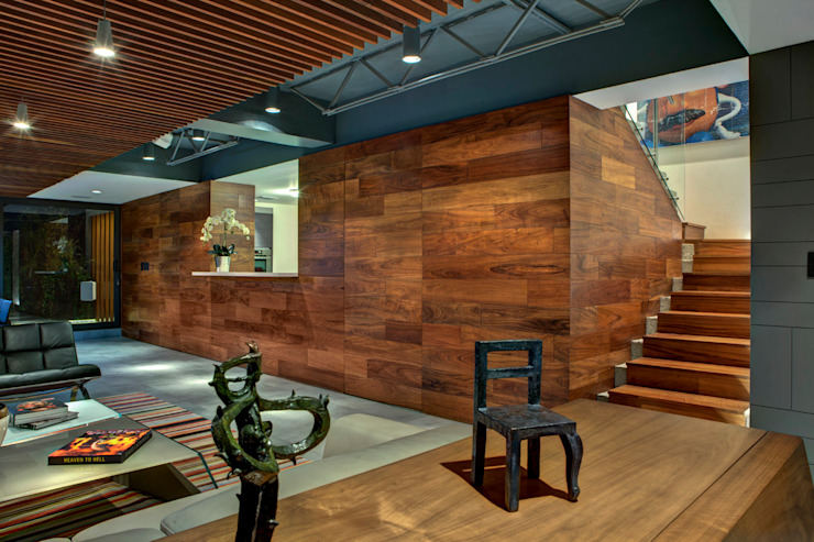 Modern Corridor, Hallway and Staircase by RIMA Arquitectura Modern