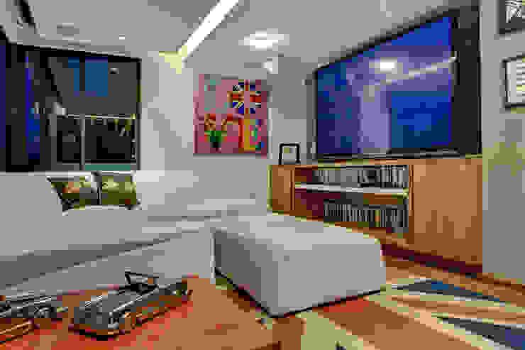 Pico de Verapaz - RIMA Arquitectura Salones modernos de RIMA Arquitectura Moderno