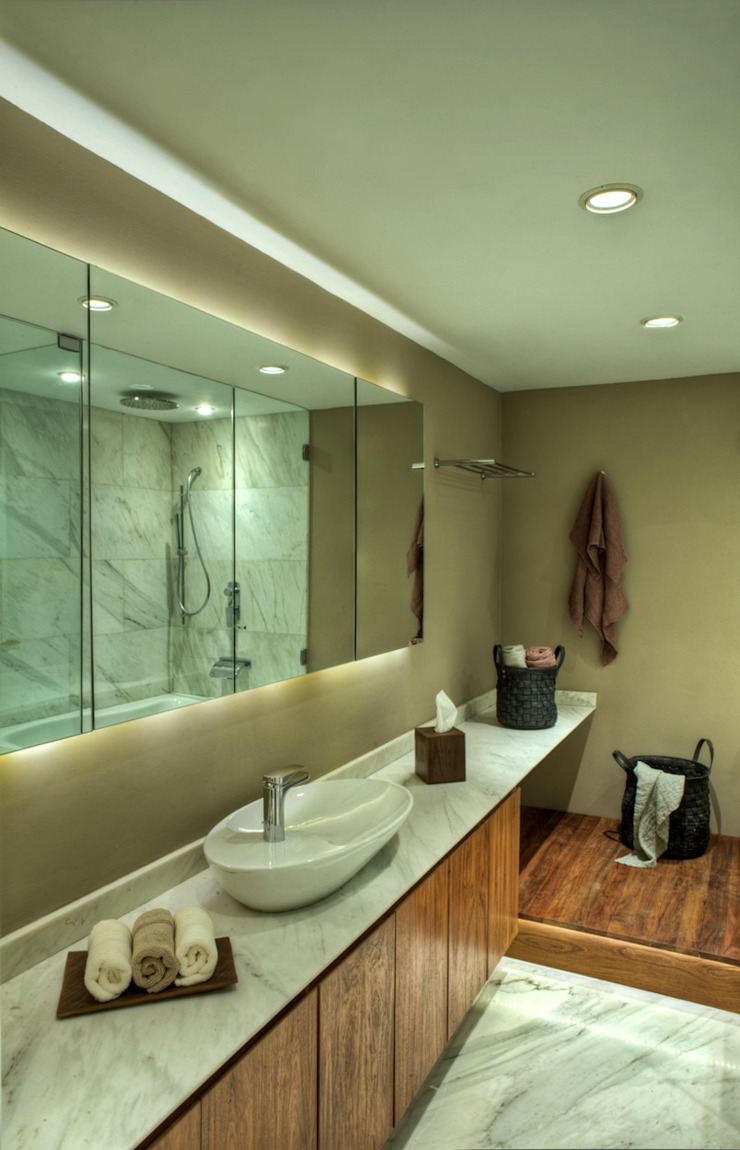 Modern style bathrooms by RIMA Arquitectura Modern