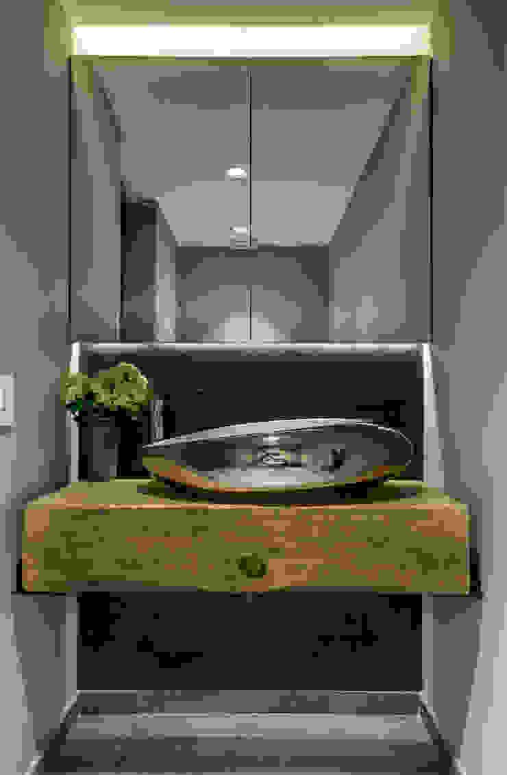 Modern Bathroom by RIMA Arquitectura Modern