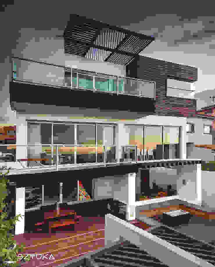 Fachada Posterior Balcones y terrazas modernos de SZTUKA Laboratorio Creativo de Arquitectura Moderno Madera Acabado en madera