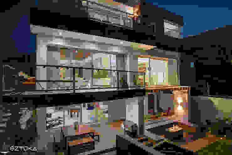 Terrazas Balcones y terrazas modernos de SZTUKA Laboratorio Creativo de Arquitectura Moderno
