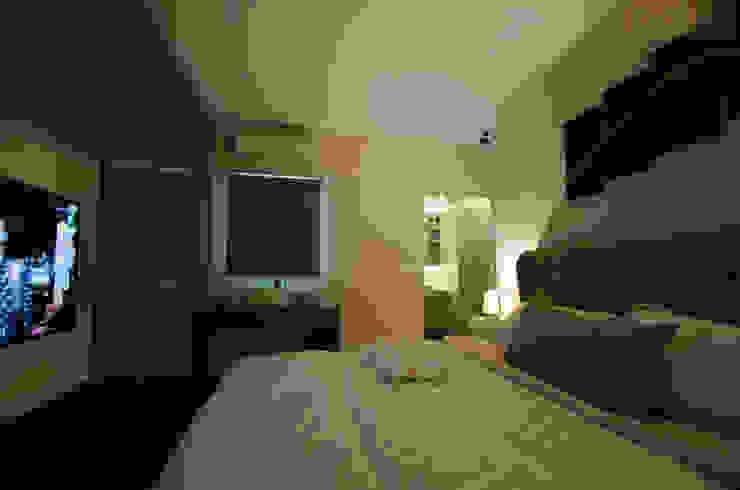 Chambre moderne par Designer House Moderne