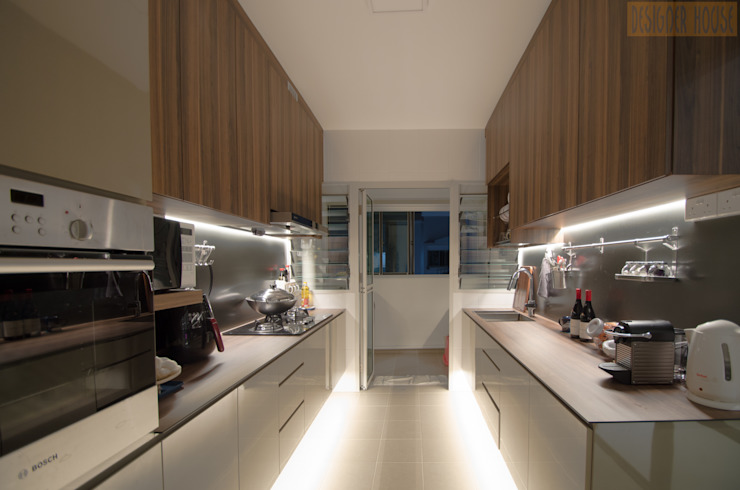BTO @ Punggolin Hotel Style:  Kitchen by Designer House,