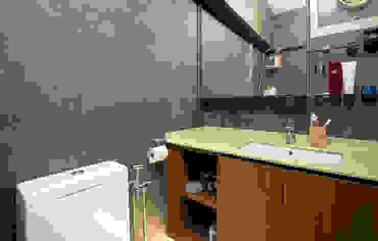 BTO @ Punggolin Hotel Style Modern bathroom by Designer House Modern