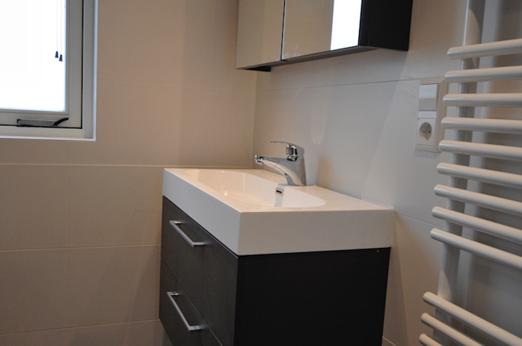 modern  by AGZ badkamers en sanitair, Modern Wood Wood effect