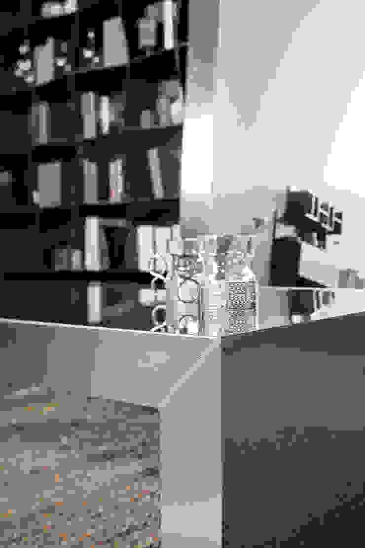 BandIt Design Living roomSide tables & trays Iron/Steel Metallic/Silver