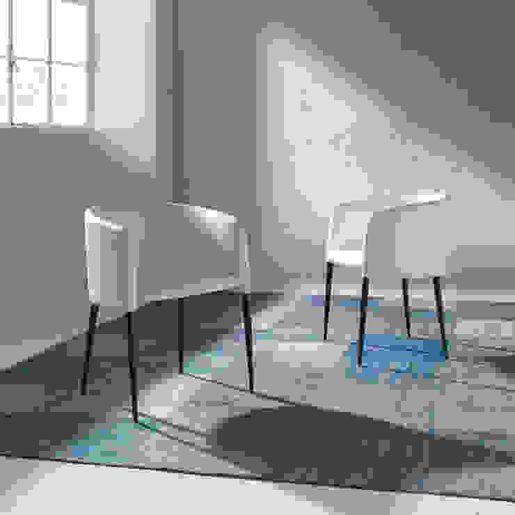 Cadeiras modernas Modern chairs www.intense-mobiliario.com RONDA http://intense-mobiliario.com/pt/cadeiroes-de-jantar/8836-cadeirao-ronda.html por Intense mobiliário e interiores; Moderno