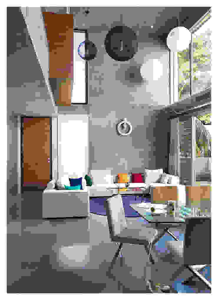 Butterfly House Modern living room by ESSTEAM Modern Concrete