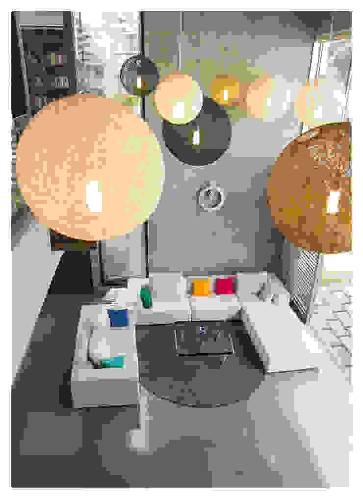 Butterfly House Modern living room by ESSTEAM Modern