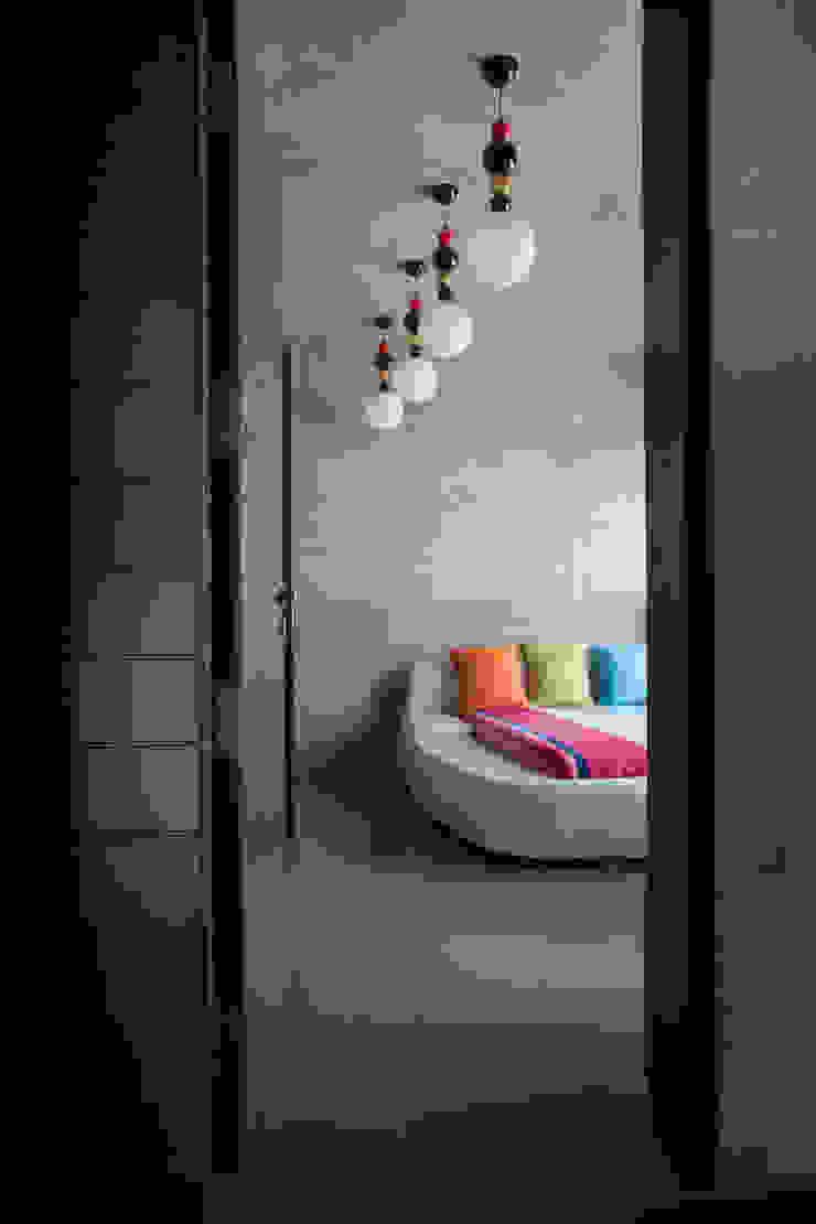 Butterfly House Modern windows & doors by ESSTEAM Modern Wood Wood effect