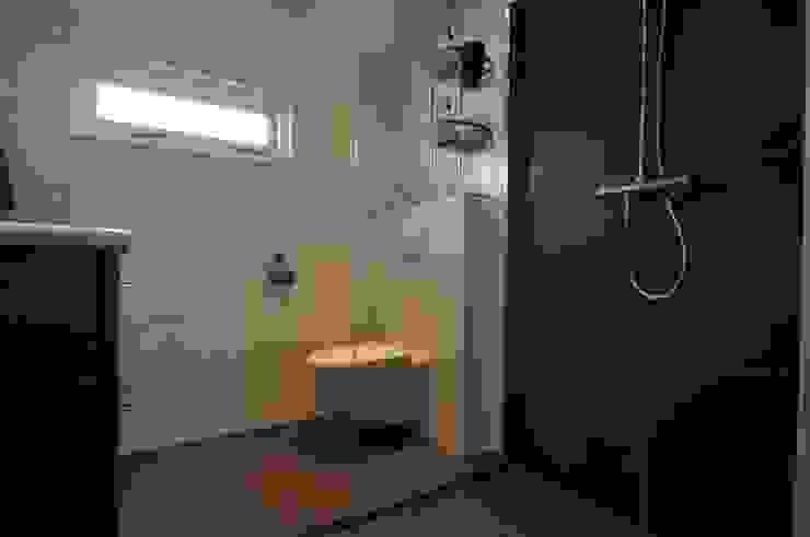 AGZ badkamers en sanitair BathroomToilets Tiles White