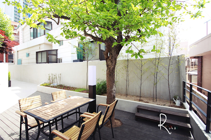 Jardines de estilo minimalista de 로하디자인 Minimalista