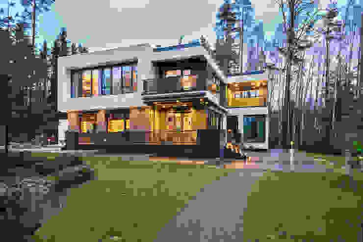 Современный дом у озера Casas modernas de Дмитрий Кругляк Moderno