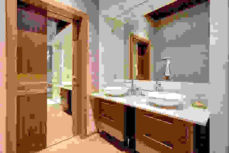 Baños de estilo  de Дмитрий Кругляк, Moderno