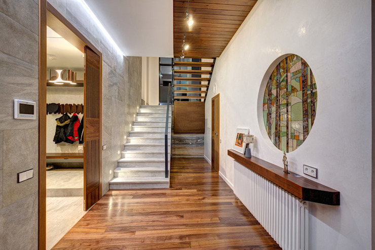 Corridor & hallway by Дмитрий Кругляк, Modern
