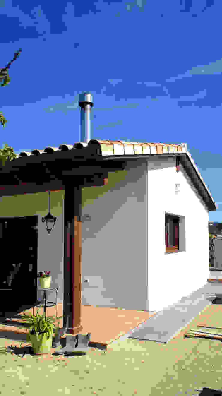Casas mediterrânicas por RIBA MASSANELL S.L. Mediterrânico Madeira Acabamento em madeira