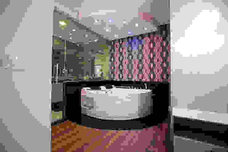 Veridiana Negri Arquitetura BathroomBathtubs & showers