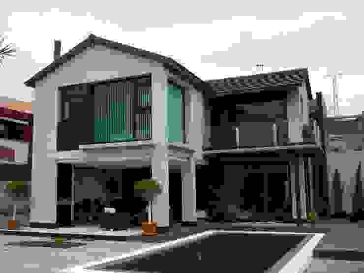 Casas modernas por MIRTA CASTIGNANI ARQUITECTA Moderno