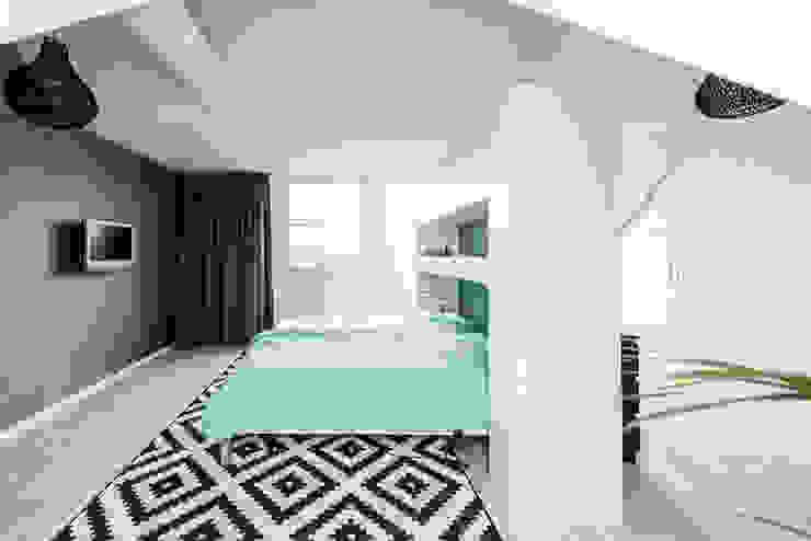 Mooie woning in Denbosch:  Slaapkamer door Bas Suurmond Fotografie,