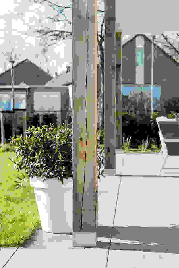 Mooie woning in Denbosch Moderne balkons, veranda's en terrassen van Bas Suurmond Fotografie Modern