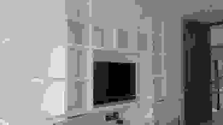 Oficinas y bibliotecas de estilo moderno de La Carpinteria - Mobiliario Comercial Moderno