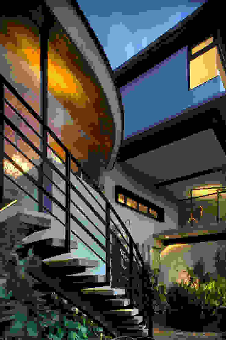 Modern style balcony, porch & terrace by RIMA Arquitectura Modern Concrete