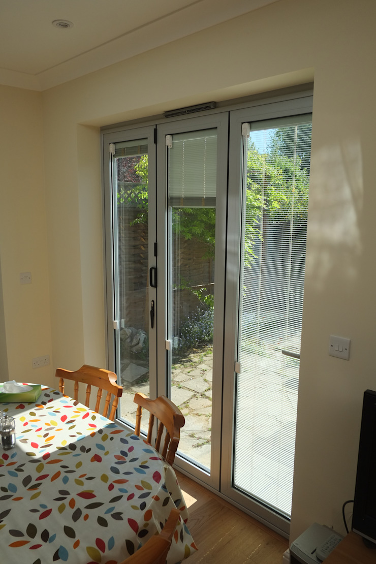 Single Storey Extension Reginald Road—Northwood London Building Renovation Modern windows & doors Aluminium/Zinc Grey