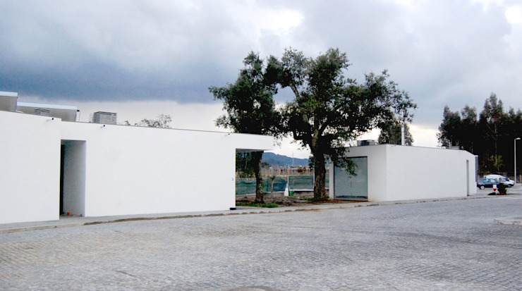 Acompanhamento de obra. P3 / COLABORADORES e P4 / RECEPÇÃO por Aurora Fernandes e Helena Alves - Arquitectas Associadas Lda.