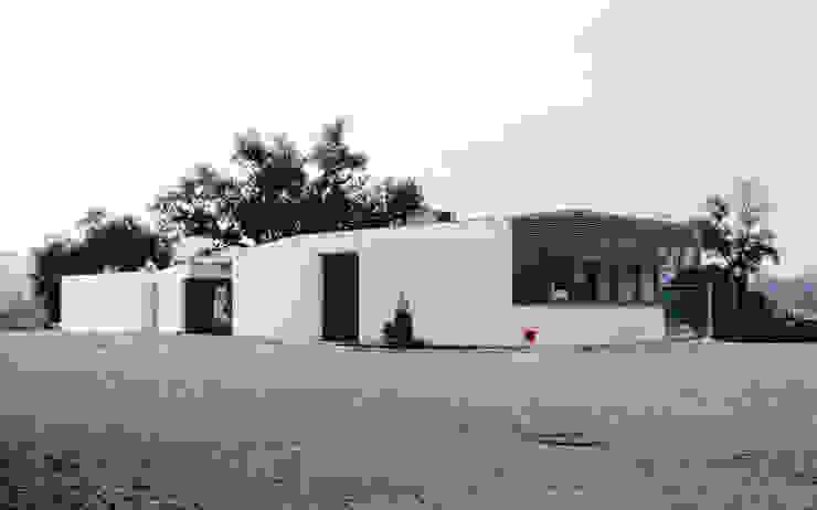 Acompanhamento de obra. P4 / RECEPÇÃO e P3 / COLABORADORES por Aurora Fernandes e Helena Alves - Arquitectas Associadas Lda.