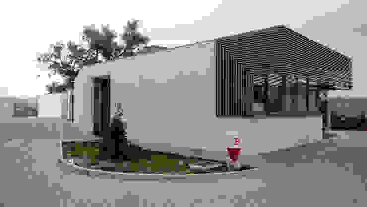 Acompanhamento de obra. P4 / RECEPÇÃO por Aurora Fernandes e Helena Alves - Arquitectas Associadas Lda.