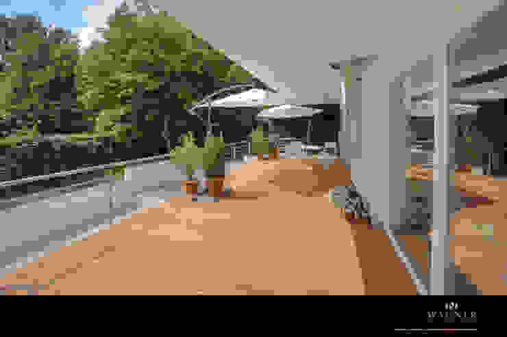 Modern Balkon, Veranda & Teras Wagner Möbel Manufaktur Modern