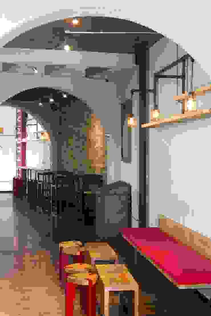 Reformanda - Barra de café Espacios comerciales de estilo industrial de Taller La Semilla Industrial