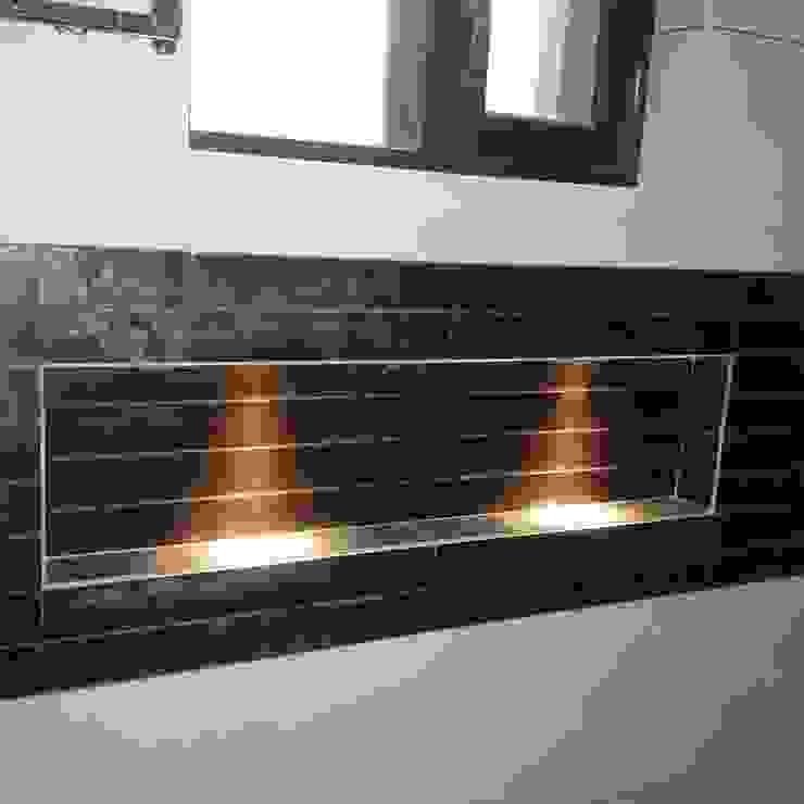 Residence For Mr Akshdeep S Modern walls & floors by H.S.SEHGAL & ASSOCIATES Modern