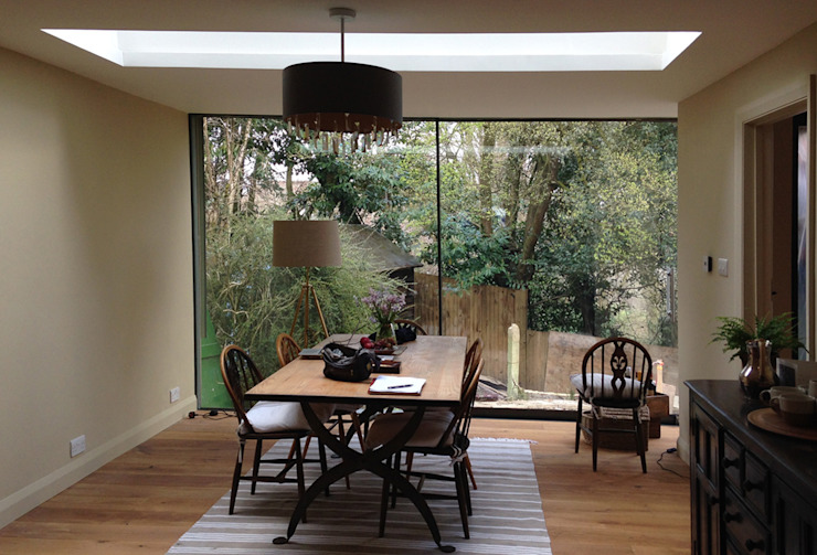 Full Height Glazing & Roof Light in New Dining Room Eclectic style dining room by homify Eclectic