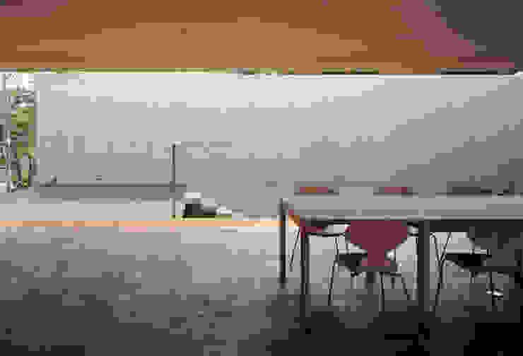 緑山の家 モダンデザインの リビング の 栗原隆建築設計事務所 モダン