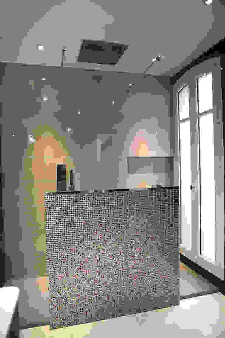 Agence Laurent Cayron Modern Bathroom