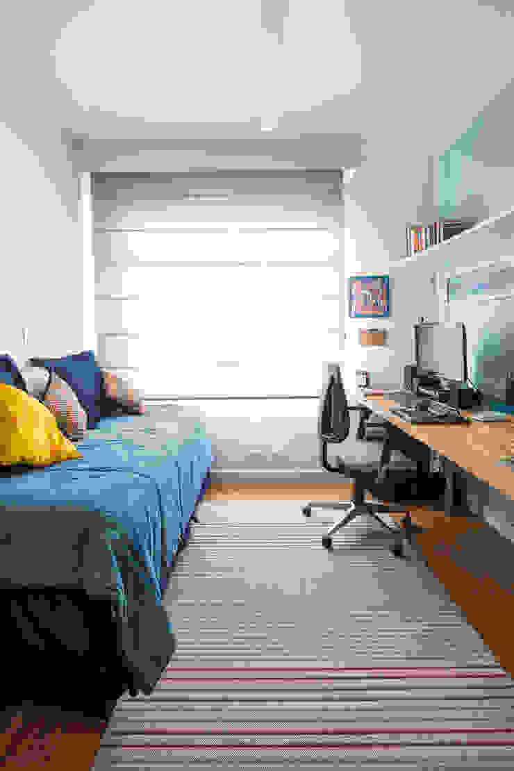 Modern study/office by Alvorada Arquitetos Modern