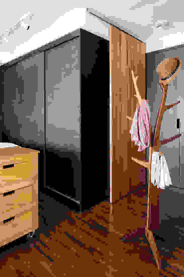 Alvorada Arquitetos Modern style bedroom