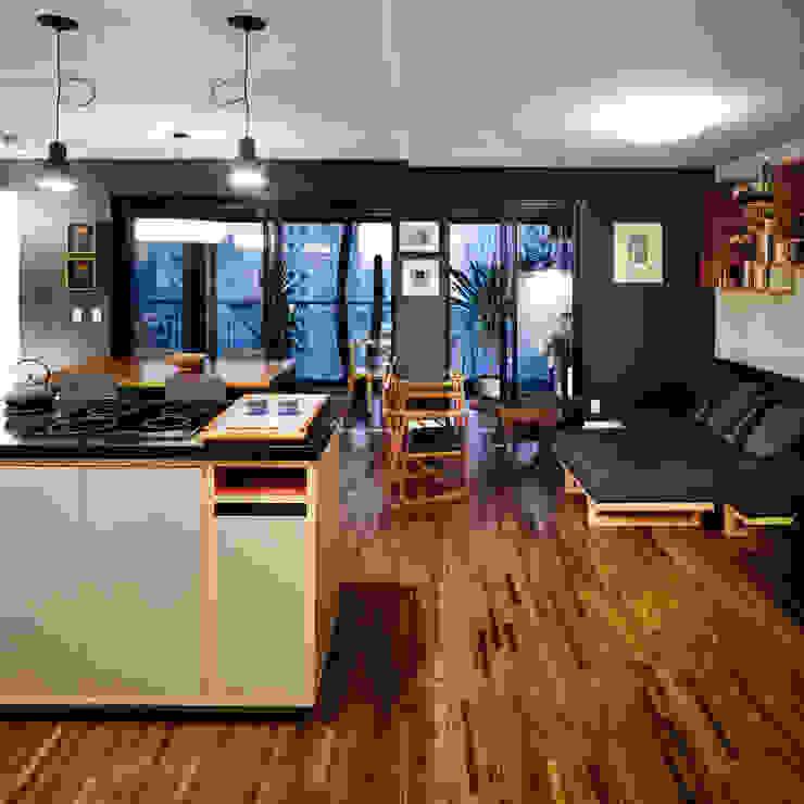 ห้องครัว by Alvorada Arquitetos