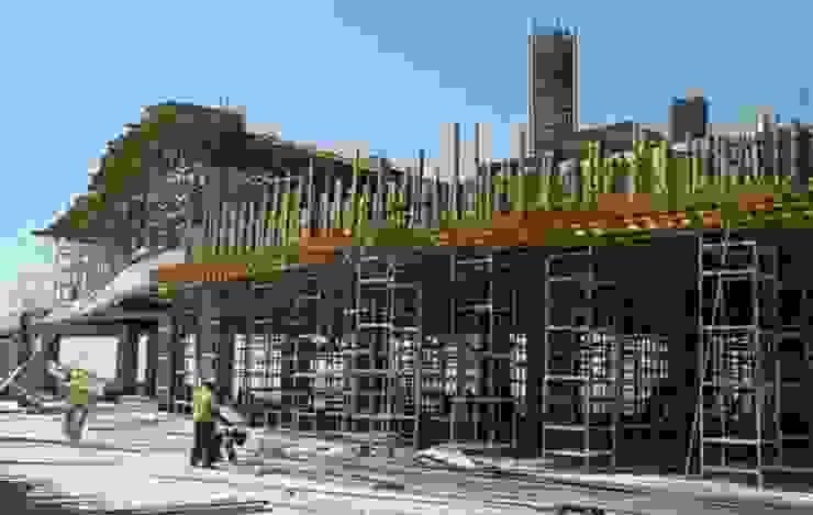 Montaje estructural Paredes y pisos de estilo moderno de INVERSIONES NACSE S.A.S. Moderno