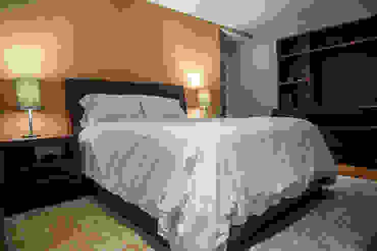 Piso 21 Dormitorios modernos de Symetri-K Moderno