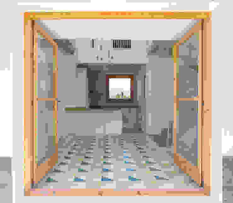 Casa Palau | Joaquin Antón & Javier Luri - wearenear Simon Garcia | arqfoto Balcones y terrazas de estilo moderno