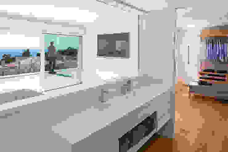 Projekty,  Łazienka zaprojektowane przez Simon Garcia | arqfoto, Nowoczesny
