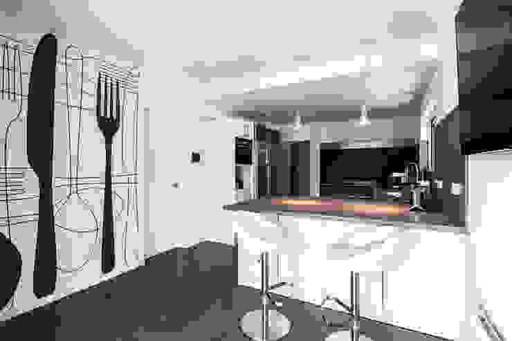 Projekty,  Kuchnia zaprojektowane przez Simon Garcia | arqfoto, Nowoczesny
